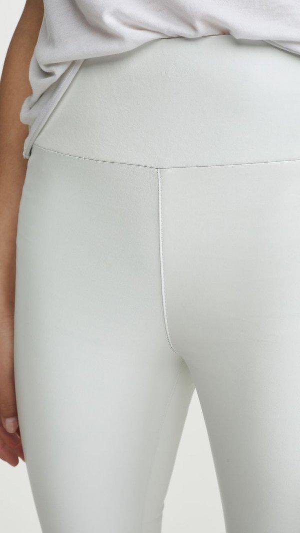 Clothing, Shoulder, Leg, Joint, Waist,
