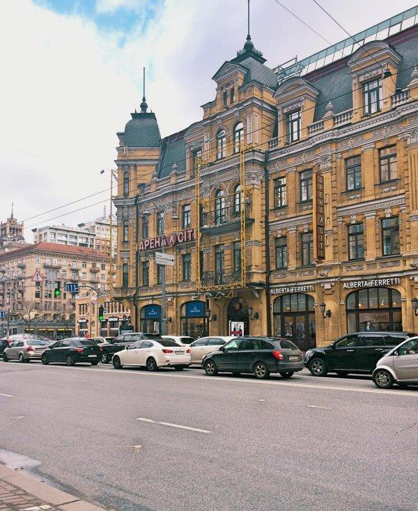City, Town, Landmark, Building, Urban area,