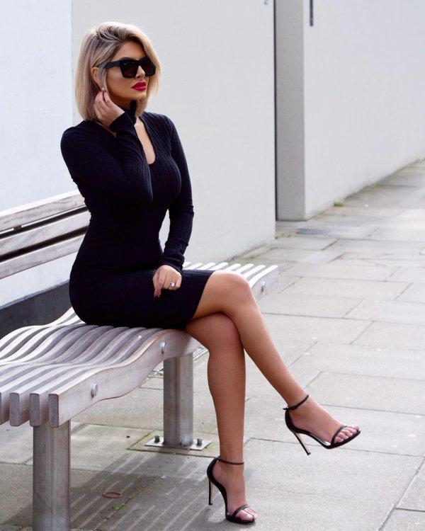 fashion model, footwear, leg, beauty, tights,