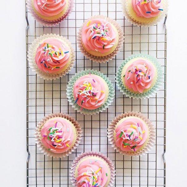 food, pink, dessert, icing, baking,