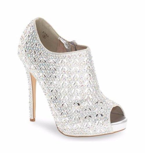 footwear, shoe, leather, high heeled footwear, basic pump,