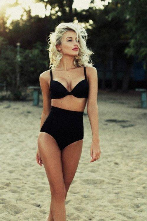 clothing,swimwear,beauty,supermodel,leg,