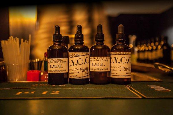 distilled beverage, liqueur, drink, alcoholic beverage, bottle,