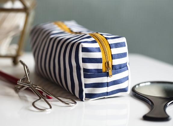 DIY Mini Boxy Makeup Bag