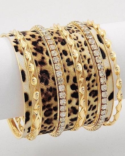 Jewellery, Bangle, Fashion accessory, Bracelet, Gold,
