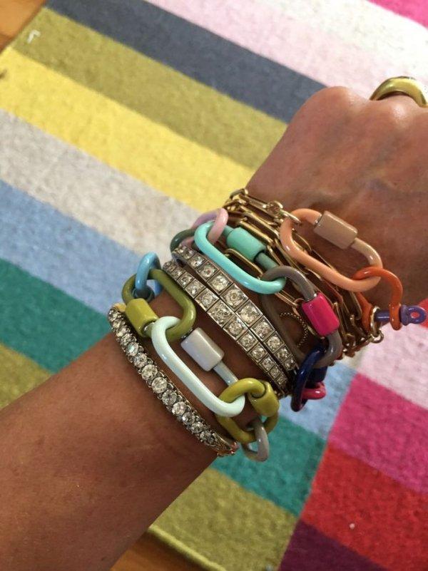 Bracelet, Fashion accessory, Jewellery, Bangle, Arm,