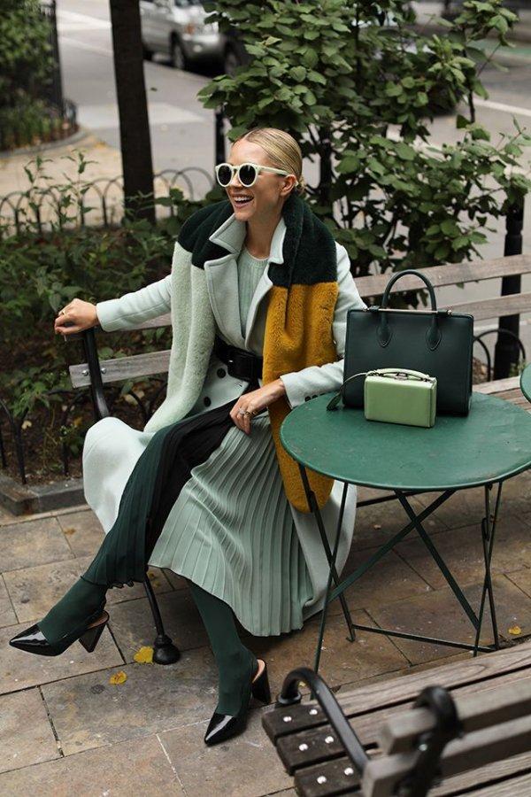 Street fashion, Sitting, Fashion, Eyewear, Footwear,