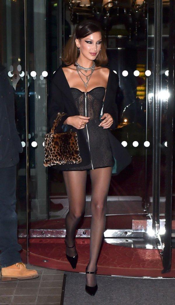 Clothing, Leg, Thigh, Fashion, Lady,