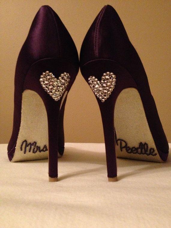 high heeled footwear,footwear,shoe,leg,textile,