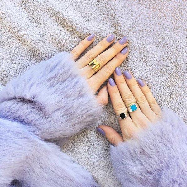 brush, fur, hand, finger, natural material,