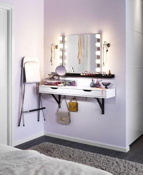 furniture,room,table,living room,floor,