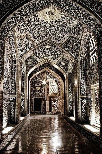 Sheikh Lutfollah Mosque, Isfahan, Iran