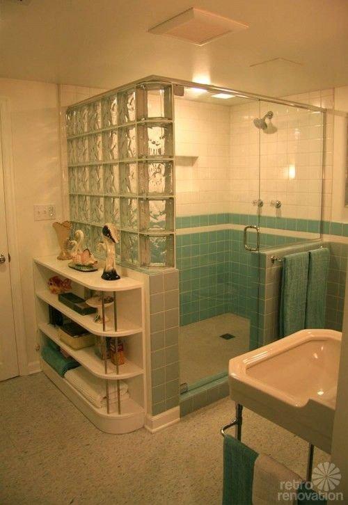 Walk in Shower with Corner Bench