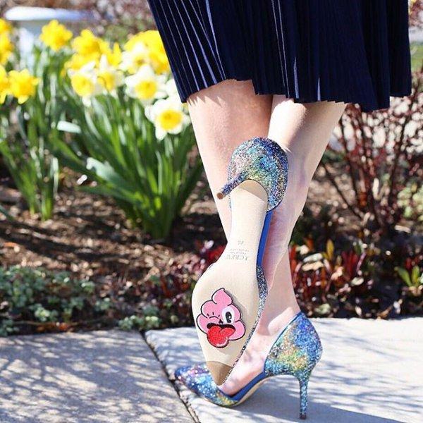 footwear, clothing, high heeled footwear, leg, thigh,