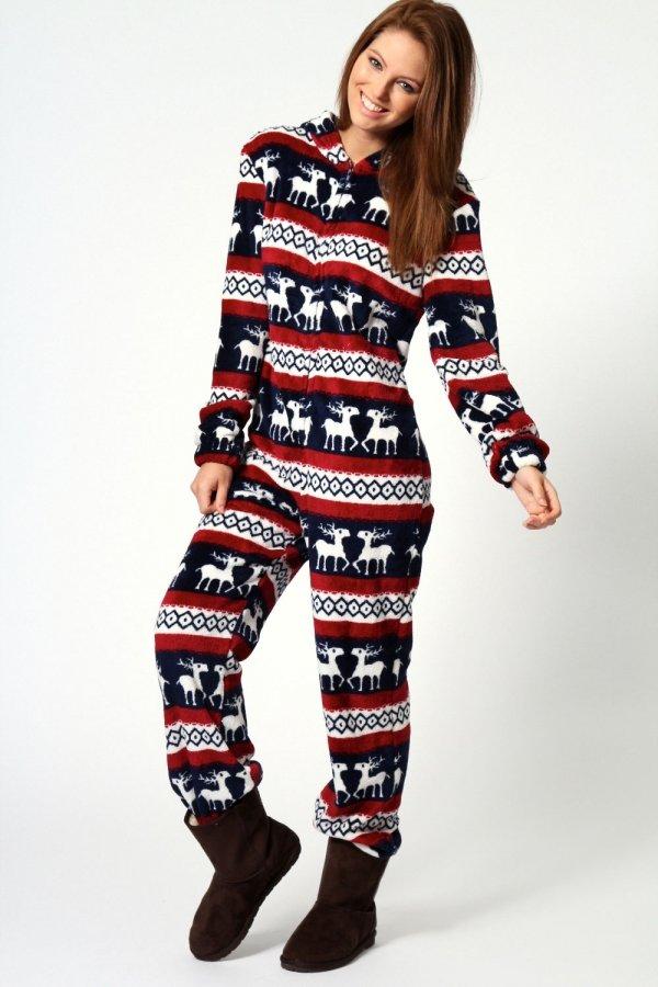 clothing,sleeve,pajamas,sweater,outerwear,