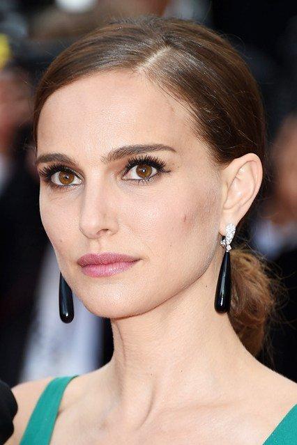 Natalie Portman's Low Chignon and Long Lashes