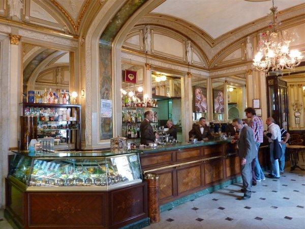Cafe Gabbrinus in Naples