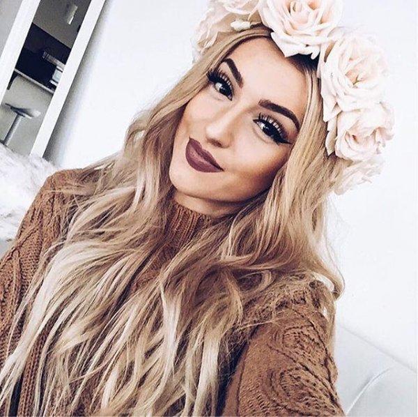 clothing, hair, blond, fashion accessory, model,