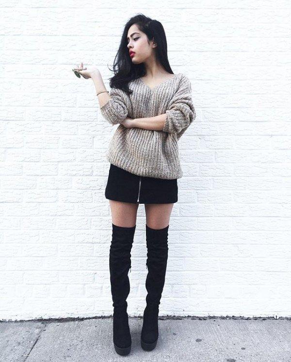 clothing, footwear, leg, thigh, shoe,