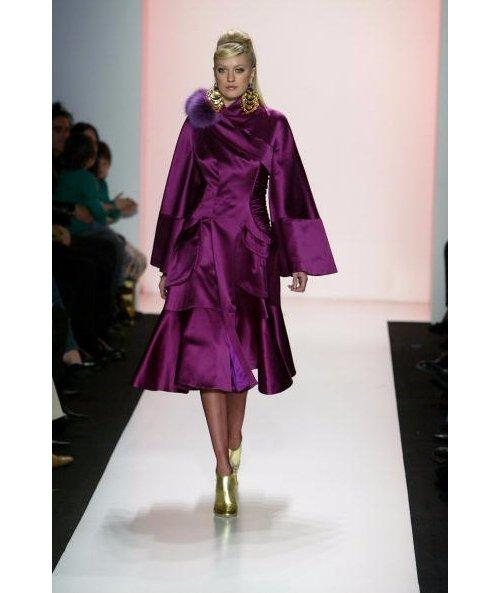 Fashion model, Fashion, Clothing, Shoulder, Fashion show,