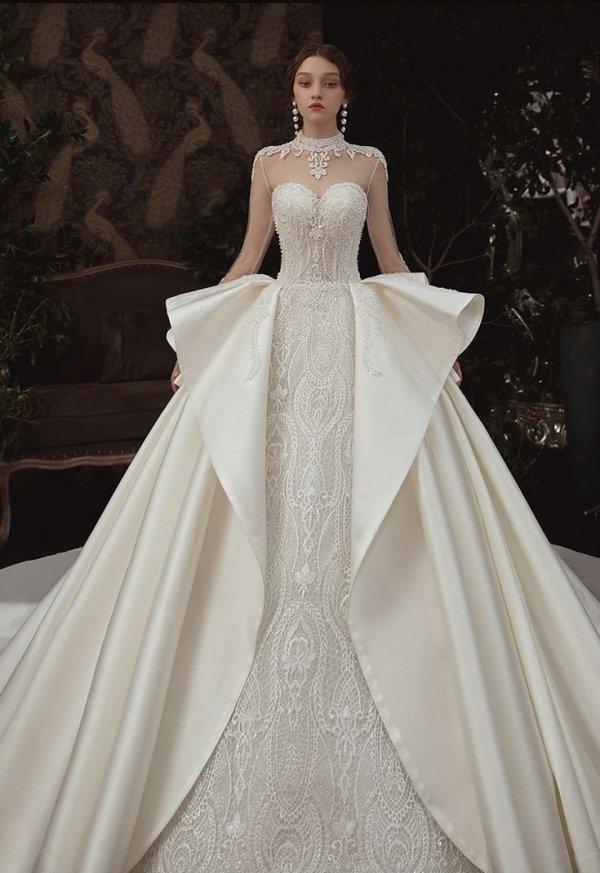 Gown, Wedding dress, Clothing, Dress, Fashion model,