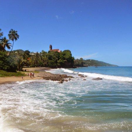 coast, beach, sea, body of water, coastal and oceanic landforms,