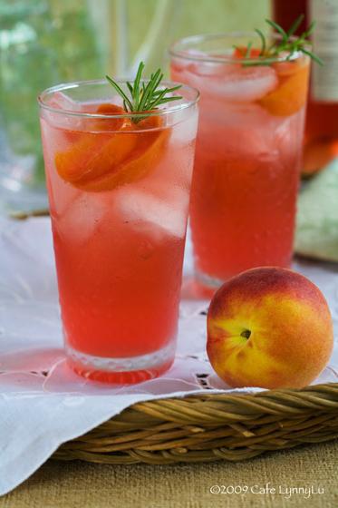 Fresh Peach Wine Spritzer