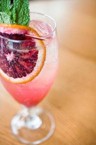 Grapefruit White Wine Spritzer