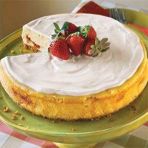 Irish Strawberry-and-Cream Cheesecake