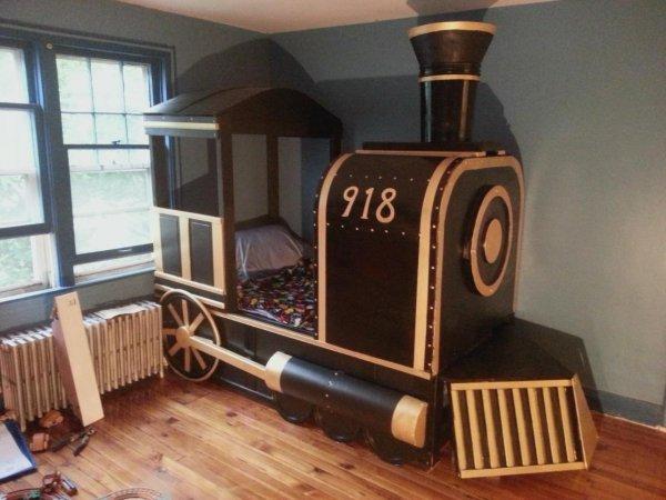 Steam Engine Bed