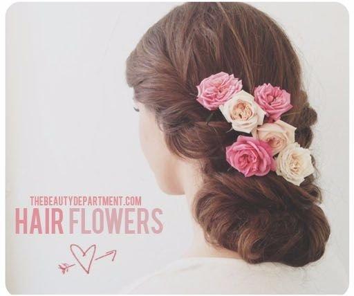 Wear Fresh Flowers in Your Hair