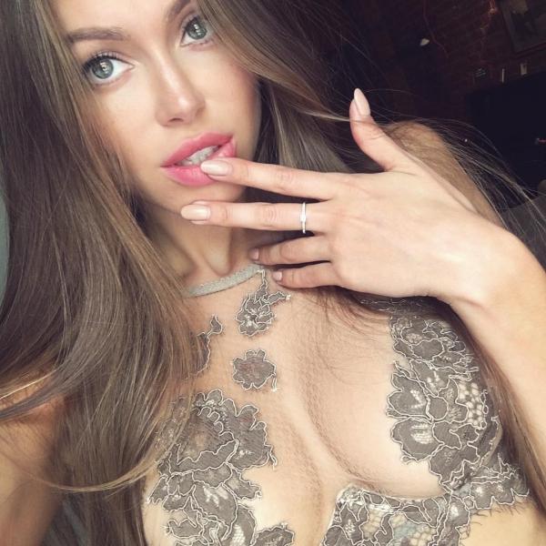 eyebrow, beauty, jewellery, nail, fashion model,