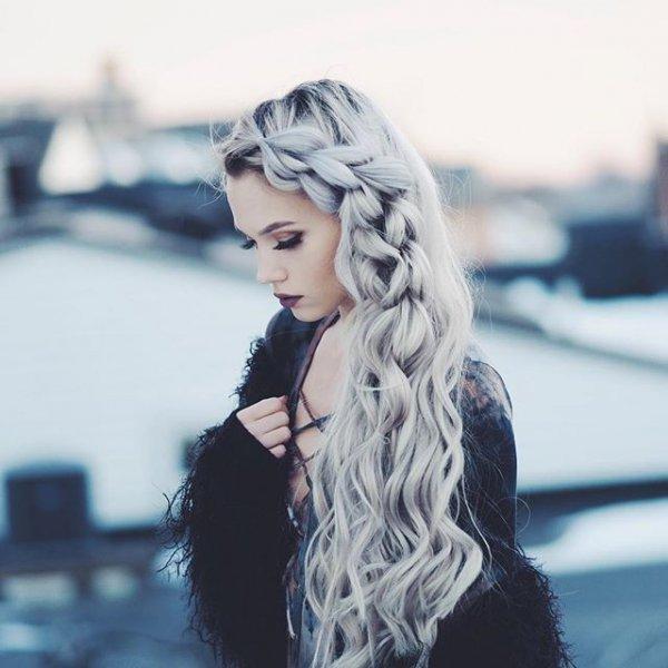 clothing, hair, hairstyle, blond, eyewear,