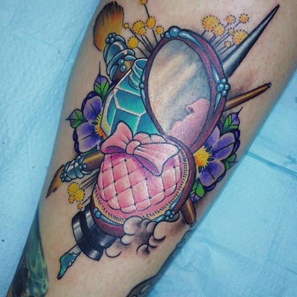 tattoo,arm,human body,chest,pattern,