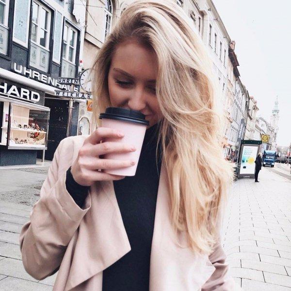 hair, clothing, blond, hairstyle, long hair,