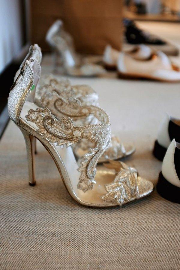 footwear,shoe,wood,leg,spring,