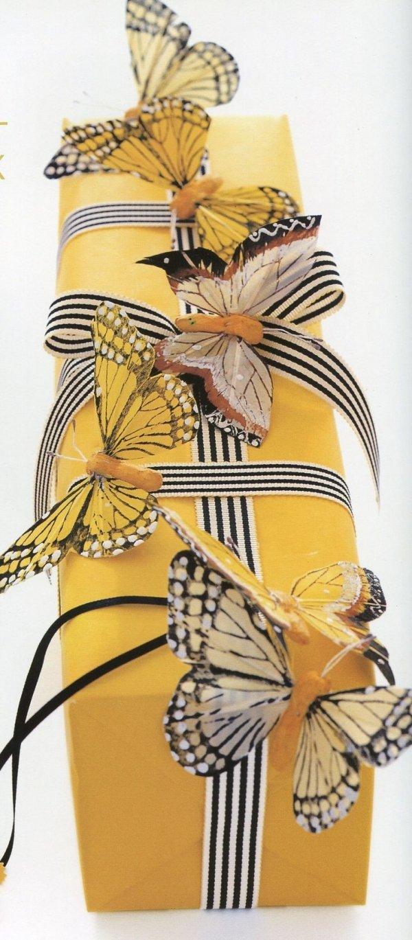 yellow,clothing,costume design,pattern,illustration,