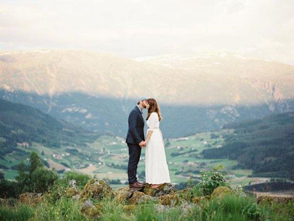 wilderness, portrait photography, ceremony, wedding dress,