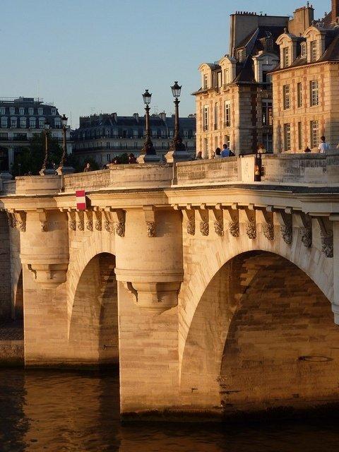 landmark,bridge,architecture,ancient history,waterway,