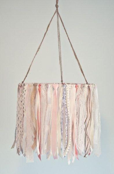 pink,handbag,bag,product,fashion accessory,