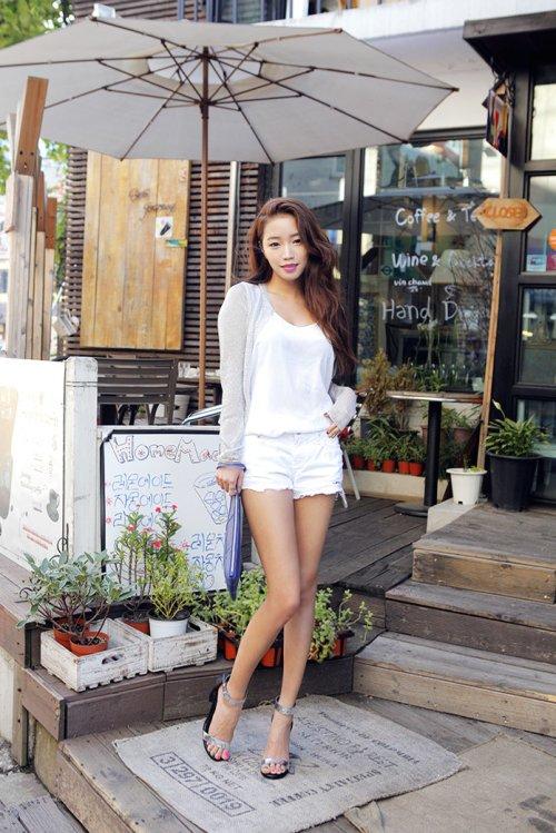 Wear White Shorts Instead of Cream or Khaki