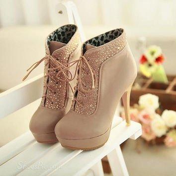 footwear,shoe,leg,spring,sneakers,