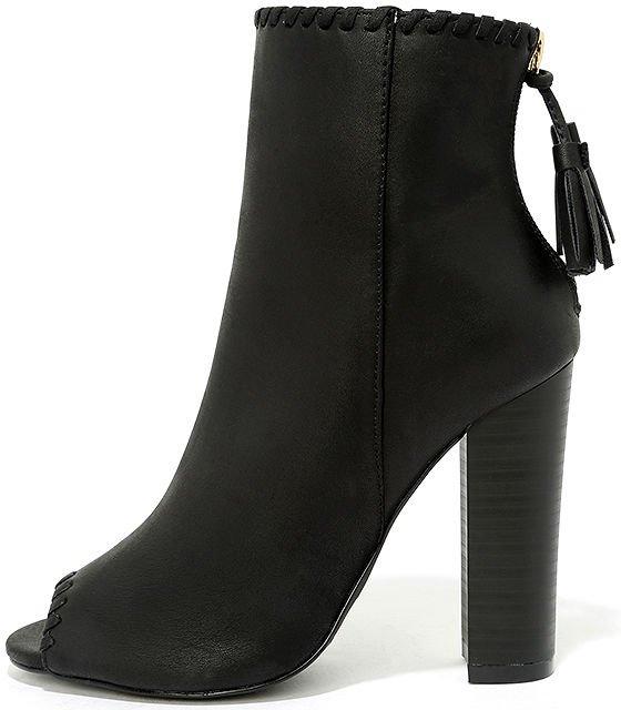 footwear, leather, boot, leg, high heeled footwear,