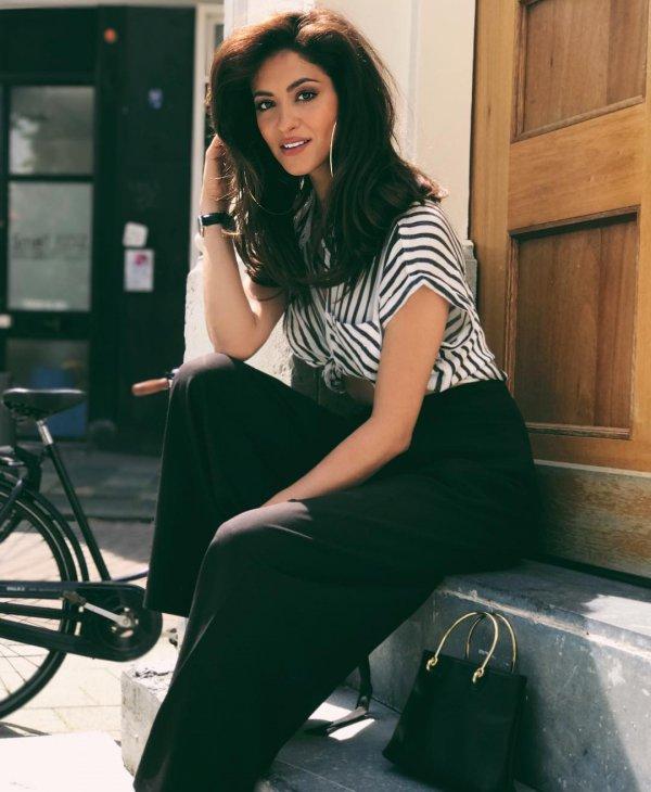 fashion model, photo shoot, beauty, shoulder, sitting,