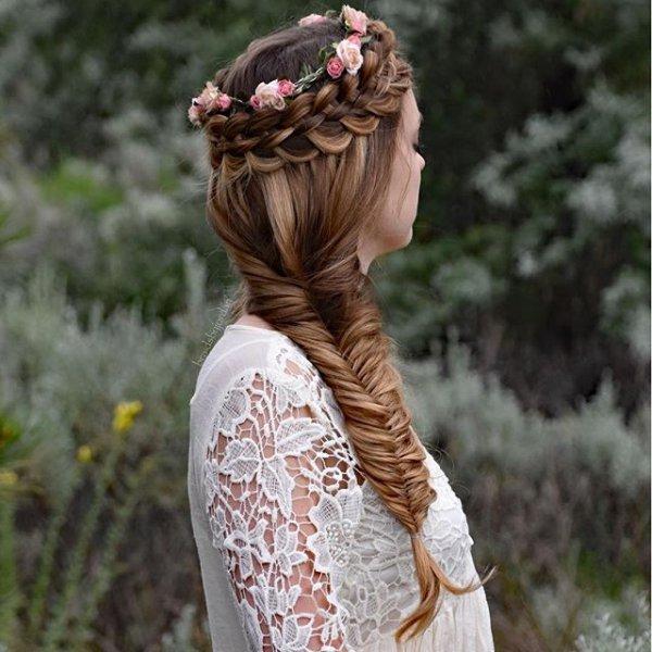 clothing, hair, hairstyle, head, sculpture,