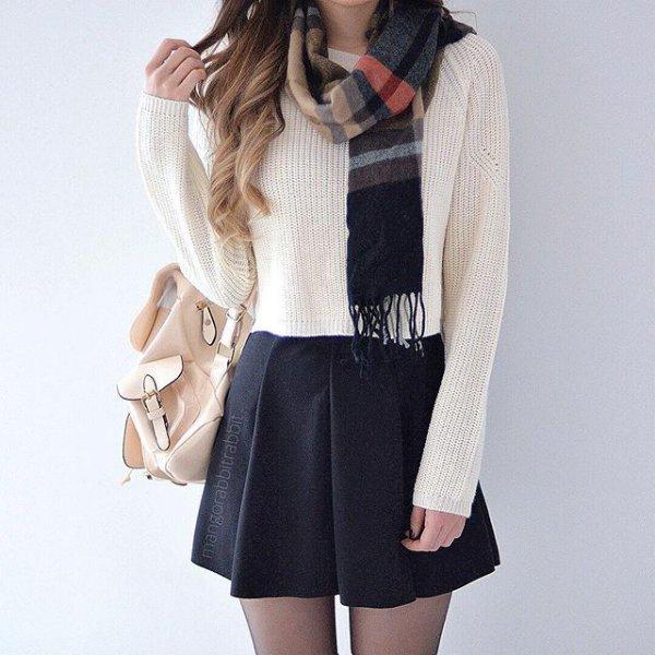 clothing, hood, sleeve, leather, tuxedo,