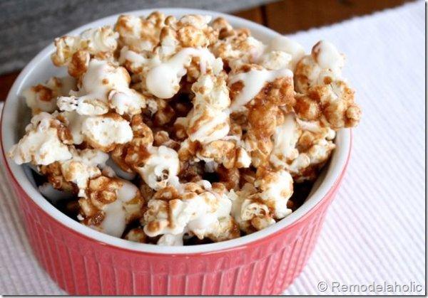 Gourmet Cinnamon Bun Popcorn