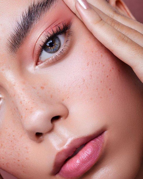 Face, Eyebrow, Nose, Skin, Cheek,