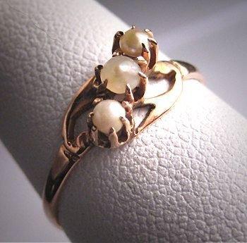 jewellery,fashion accessory,hand,silver,gemstone,