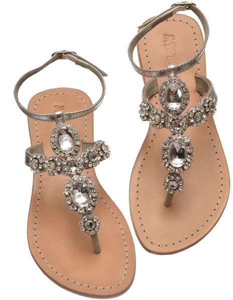 footwear,shoe,product,sandal,leg,